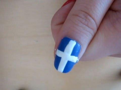 как сделать флаг на ногтях.