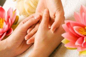 А стоит ли покупать косметику для ногтей?