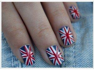 Маникюр британский флаг - модный символ на ваших руках