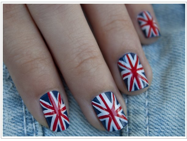 рисунок на ногтях британский флаг
