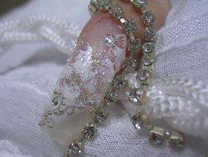 Каким должен быть свадебный маникюр 2012?