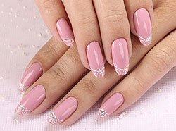 Весенний дизайн ногтей с нежными завитушками