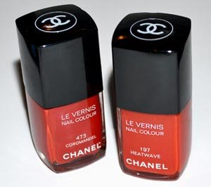 А знаете ли вы как правильно носить красный лак для ногтей