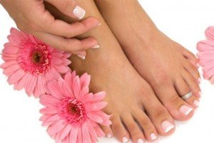 Френч педикюр – красота ногтей на ногах