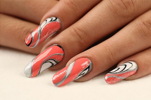 дизайн ногтей коралл с золотистым фото