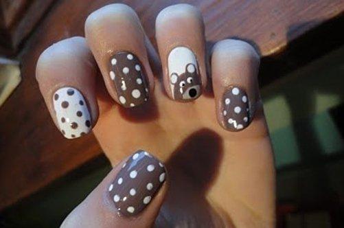 Дизайн ногтей бежевый с черным