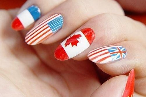маникюр с флагами на натуральных ногтях фото