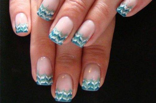 голубой френч на натуральных ногтях фото