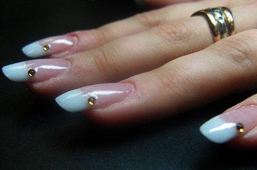 дизайн ногтей френч со стразами фото