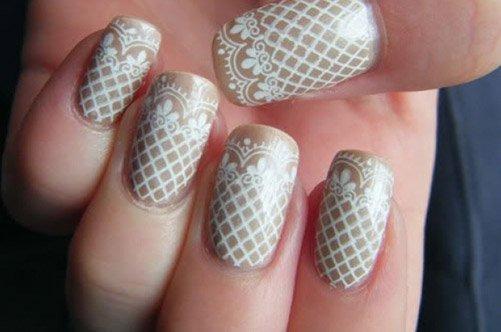 бежевое кружево дизайн ногтей фото