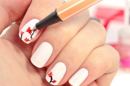 красивый дизайн ногтей сакура фото