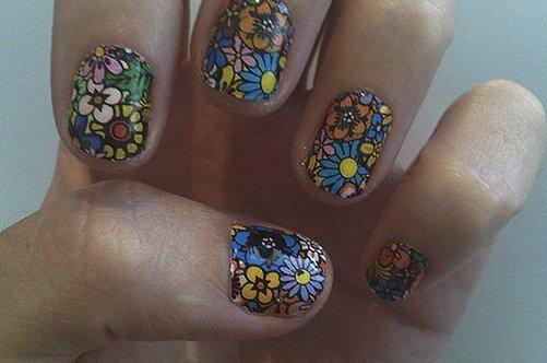 цветы на коротких ногтях фото