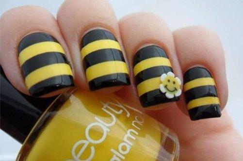 полосатый дизайн квадратных ногтей фото