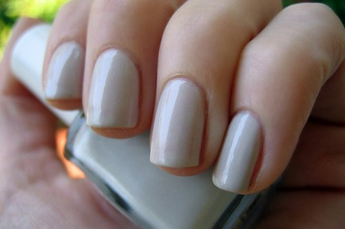 бежевый дизайн квадратных ногтей фото
