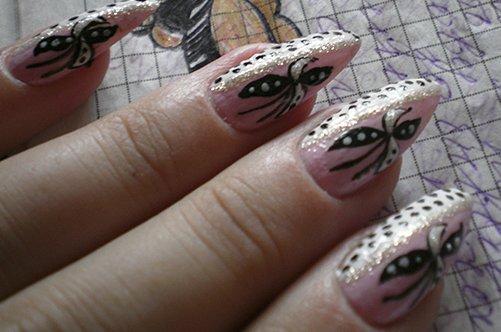 бабочки на ногтях фото