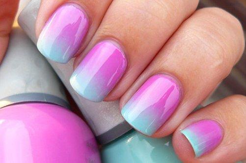 розовый голубой дизайн ногтей губкой фото