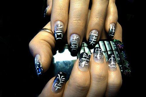 дизайн ногтей иероглифы фото