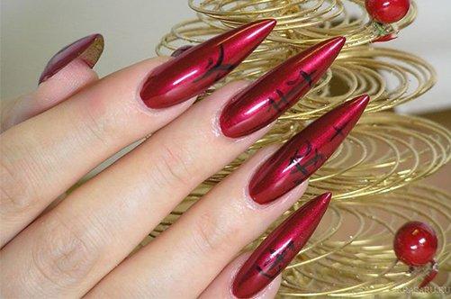 красный дизайн ногтей с иероглифами фото