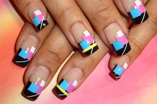 геометрический рисунок на ногтях фото