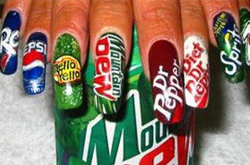 креативный дизайн ногтей напитки фото