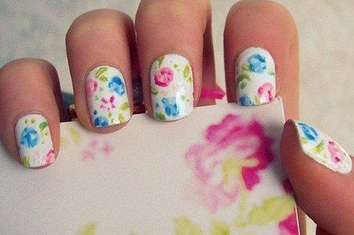 цветы в маникюре фото