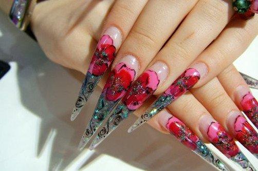 острые ногти с цветами фото