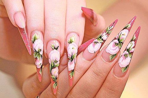весенний цветочный маникюр фото