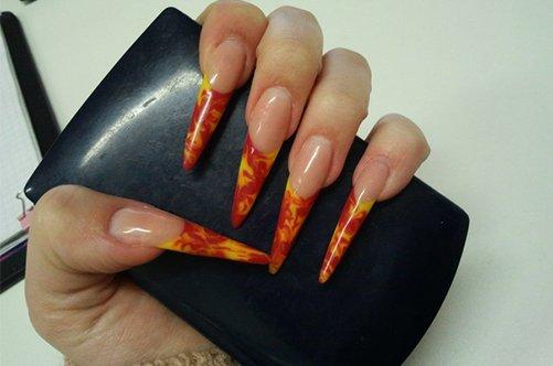 витражный дизайн на ногтях фото