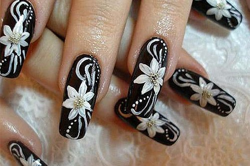черно-белый дизайн ногтей цветы фото