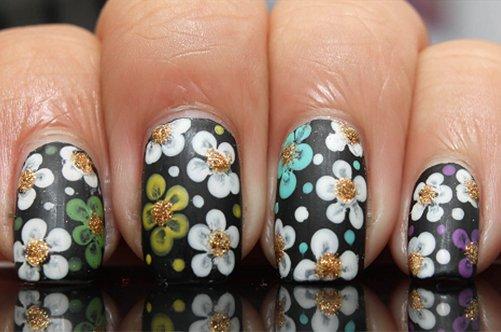 цветочный дизайн ногтей на выпускной фото