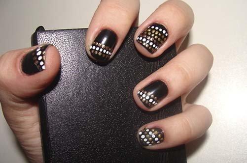 дизайн короких ногтей с диагональным рисунком фото