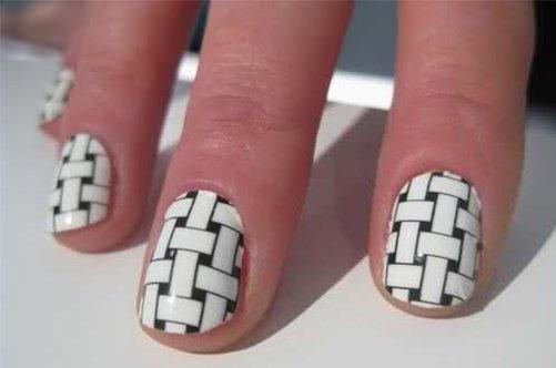 черно-белый дизайн миндалевидных ногтей фото