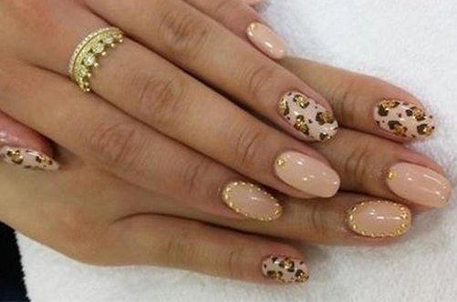 шикарный дизайн миндалевидных ногтей фото