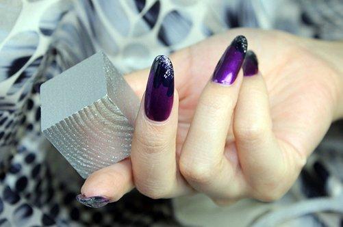 сиреневый дизайн миндалевиных ногтей фото