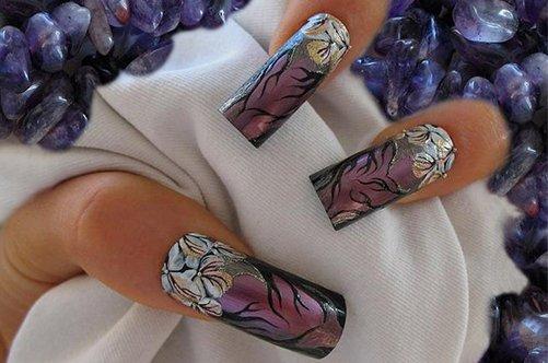 дизайн длинных ногтей с веткой сакуры фото