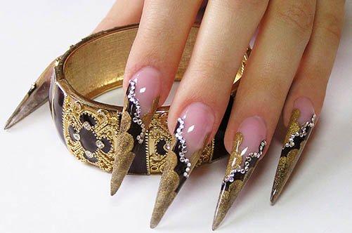 яркий дизайн острых гелевых ногтей фото