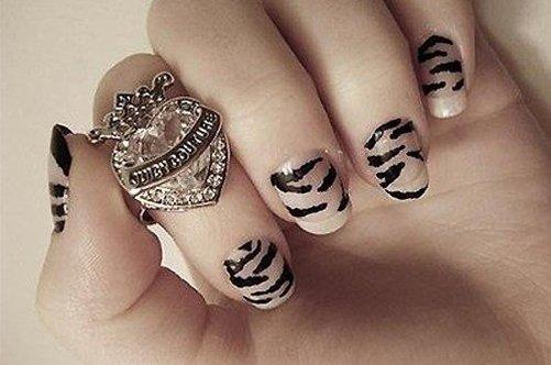 черно-серый дизайн коротких ногтей фото