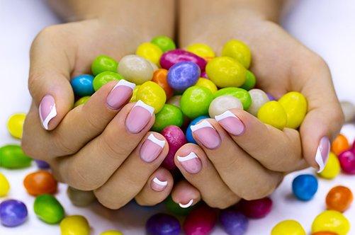 дизайн ногтей классический френч разноцветный фото