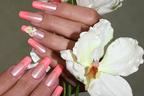 фото дизайна ногтей розовый френч на безымянном пальце
