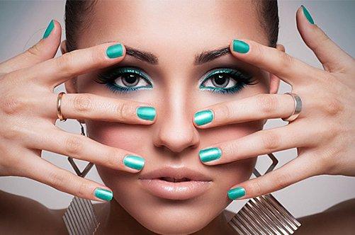 фото бирюзового нового дизайна ногтей 2013