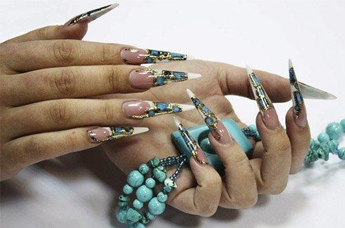 дизайн острых ногтей жидкие камни фото