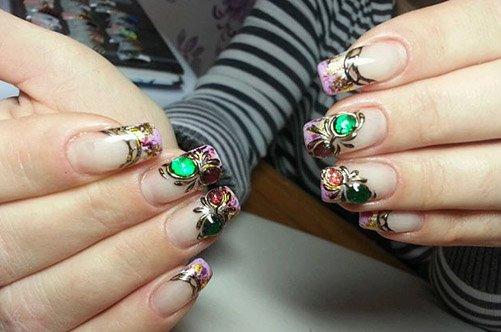 дизайн коротких ногтей жидкие камни фото
