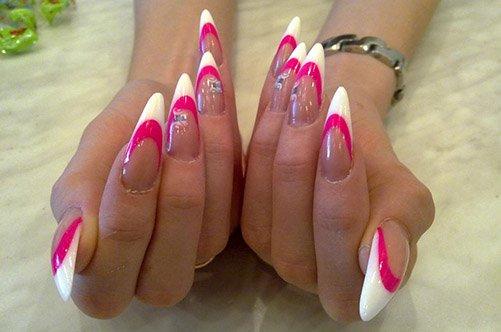 дизайн розовых острых ногтей фото