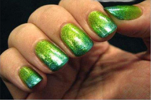 фото яркого дизайна ногтей с помощью губки