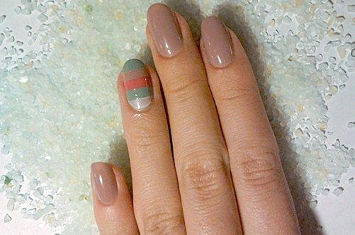 морской дизайн ногтей в бежевых тонах фото