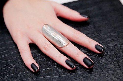 френч готика дизайн ногтей фото