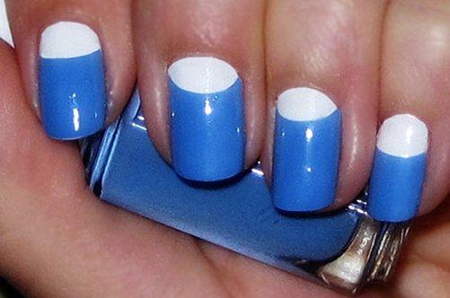 сине-белый лунный дизайн ногтей фото