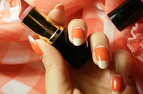 оранжевый лунный дизайн ногтей фото