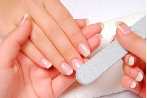 классический френч дизайн ногтей фото