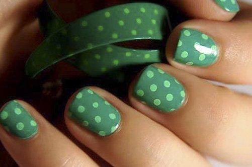 модный дизайн ногтей 2013 в горошек фото